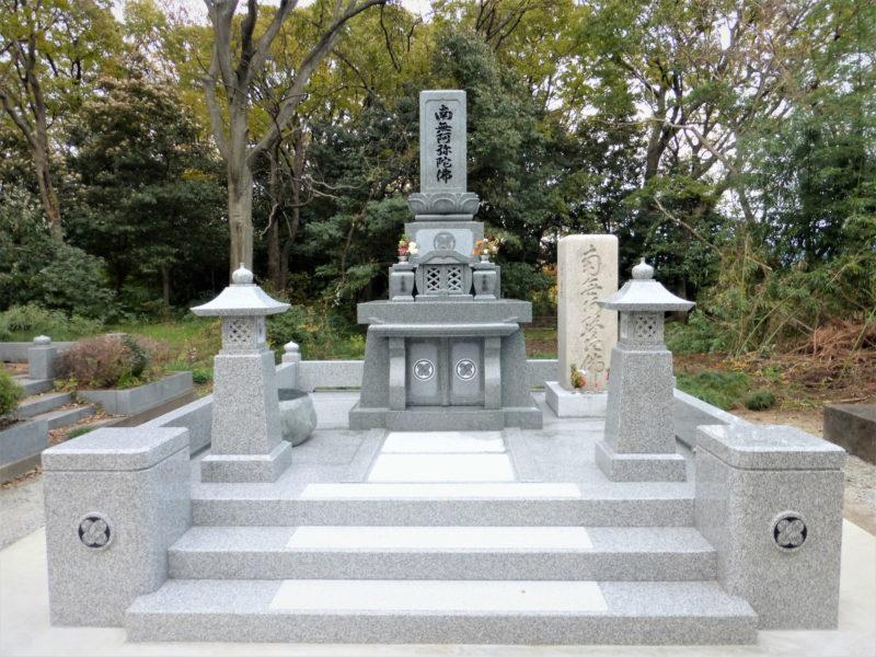 和型墓石  門柱玉垣型 階段3段式