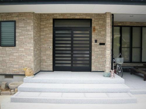 玄関アプローチ、階段付き 写真
